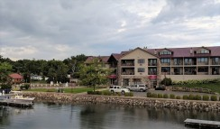 Wave Pointe Marina, Little Sturgeon Bay, our new favorite marina up here